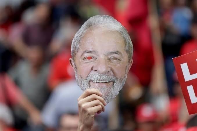 Mascara somos todos Lula